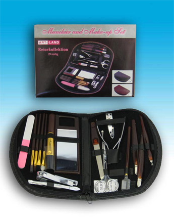 MAKE-UP SET COMPOSTO DA 19 PEZZI